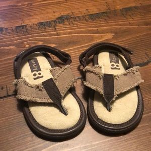 Crazy 8 toddler sandals size 7 NWOT